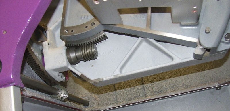 Trunnion fitted to main frame