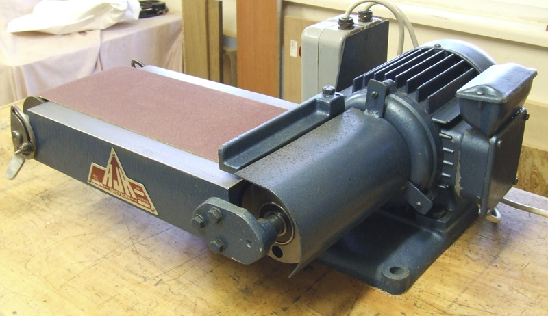 AJH Bandfacer 240 volt 4