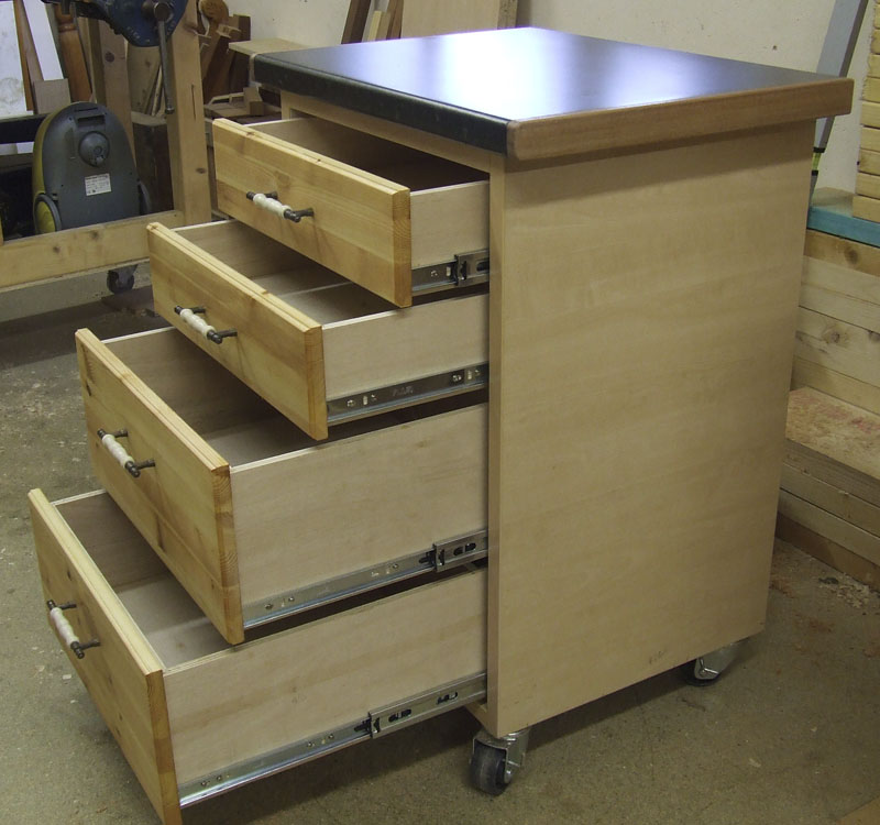 Four-drawer cabinet