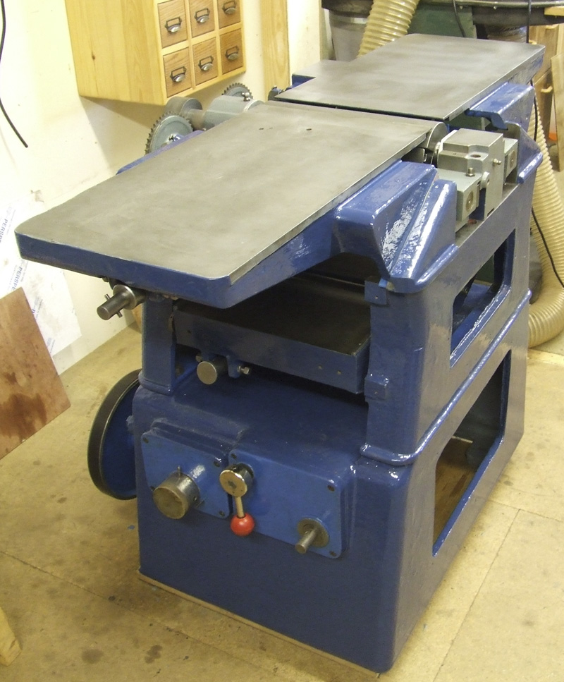 Adjusting tables Dominion Surfacing and Thicknessing Planer