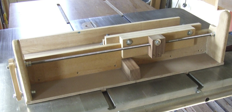 Box-joint-jig