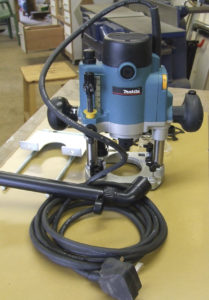 """Makita RP1110C 1/4"""" Plunge Router"""