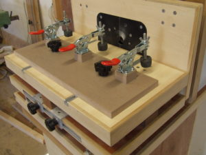 Parralel fence horizontal router table